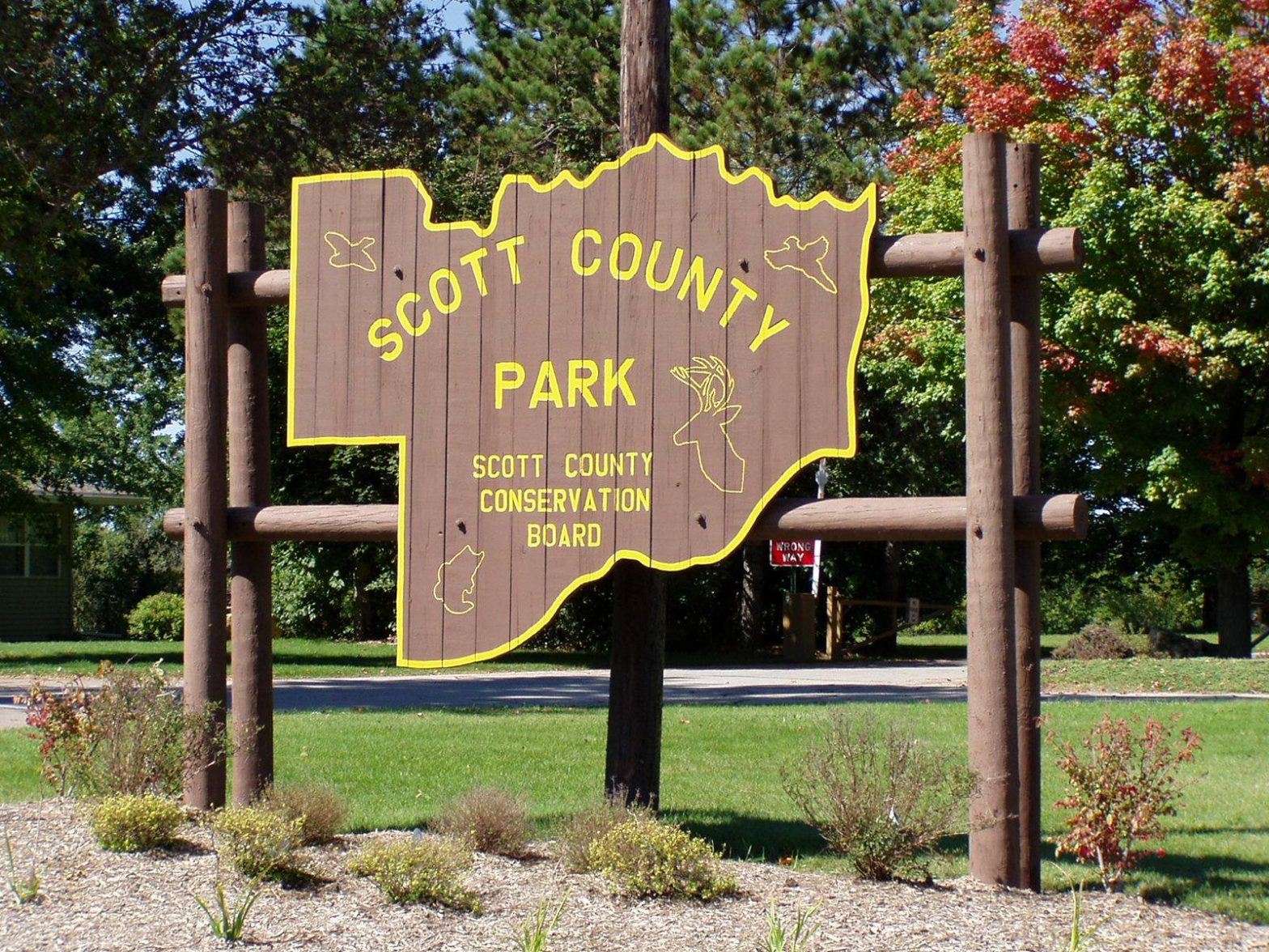 Welcome sign to Scott County park.